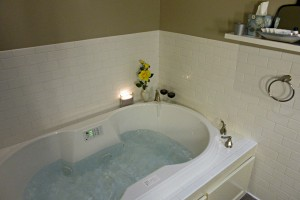 henry-stanley-suite-jet-tub-lesmeister-guesthouse-pocahontas-arkansas-usa Image of the jet tub.